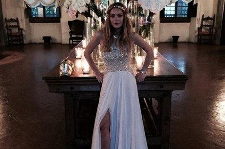 Lindsay antes do casamento: vestido branco não agradou noiva