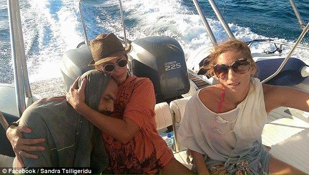 Refugiado sírio é resgatado após 13 horas à deriva na costa da Grécia