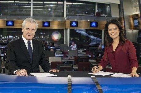 Celso Freitas e Adriana Araújo estão à frente do telejornal