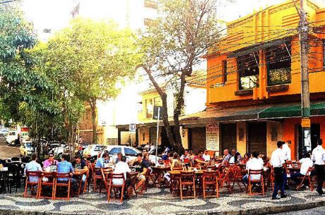 Restaurantes devem garantir distância entre mesas