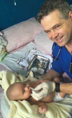 Médico criou empresa especializada em fazer partos de brasileiras nos Estados Unidos