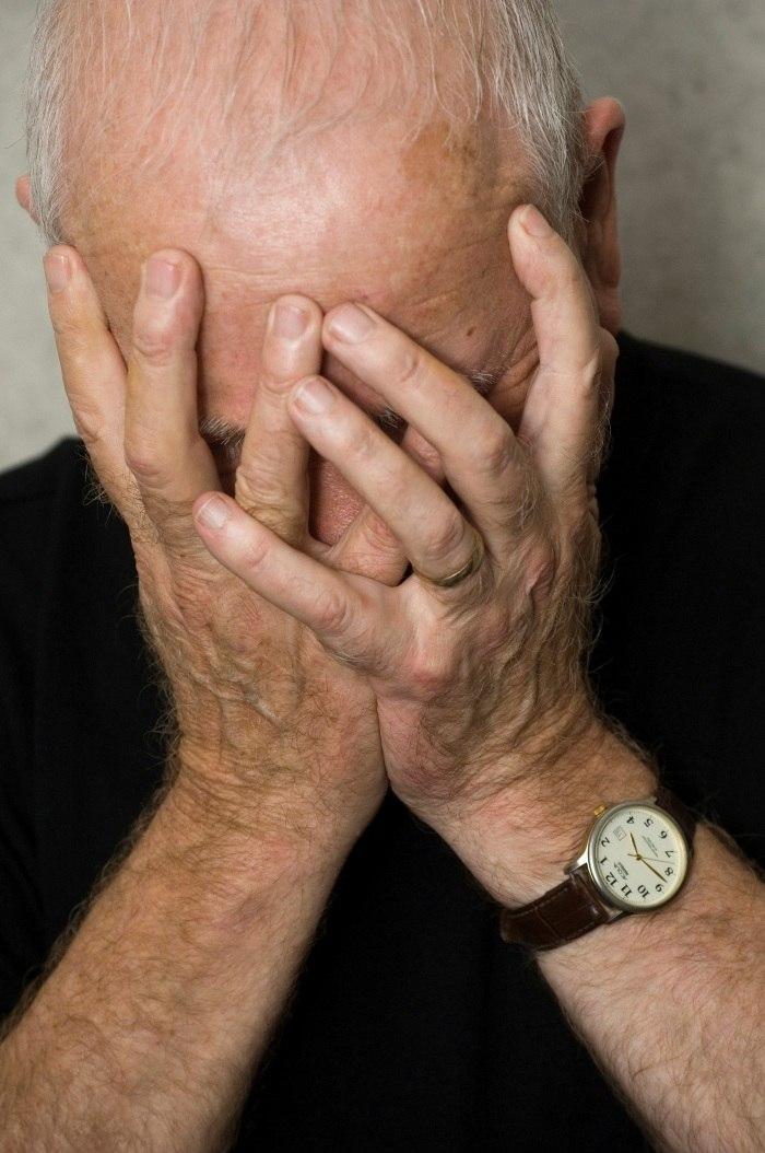 Proteína do Alzheimer pode ser transmitida em procedimentos médicos