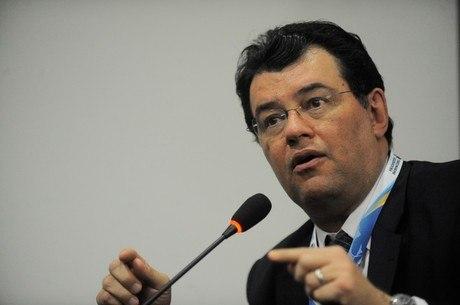 Na imagem, senador Eduardo Braga (MDB-AM)