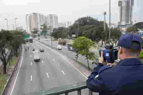 Prefeitura aumentou fiscalização a motociclistas nas marginais