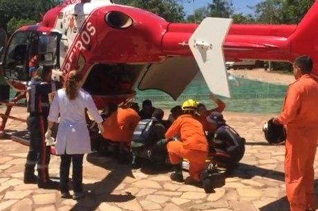 Resultado de imagem para helicoptero bombeiros brasilia df