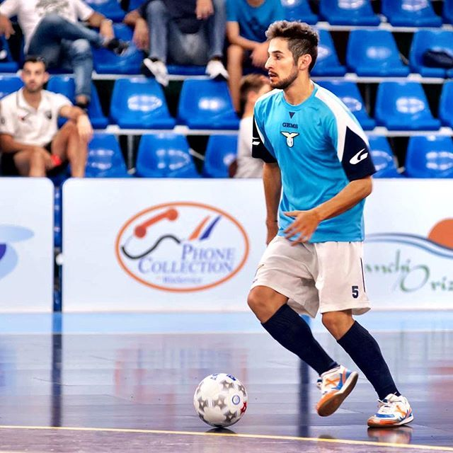 9b05940854794 Brasileiro larga o futebol de campo para viver vida boa no futsal da ...