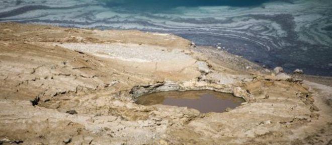 Buracos vêm se abrindo nas margens do Mar Morto desde os anos 1980