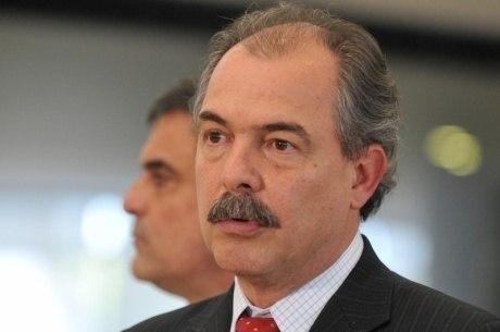 Mercadante trocou a Casa Civil pelo Ministério da Educação