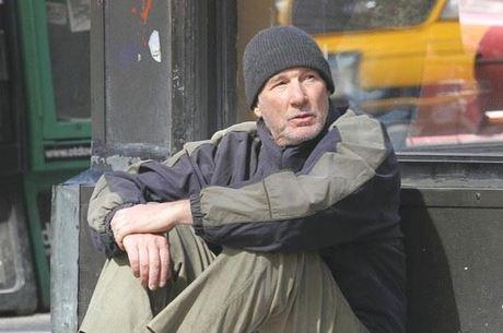 Richard Gere como George: ator viveu mendigo em filme