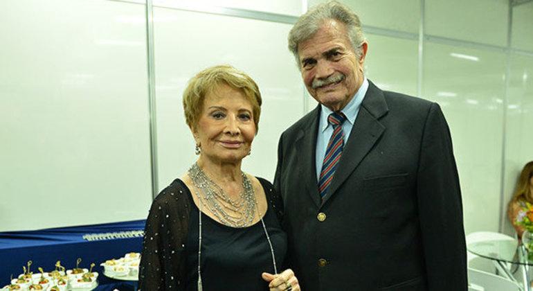Tarcísio Meira e Glória Menezes foram diagnosticados com covid-19