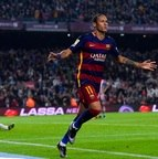<b>Neymar </b><br>413 jogos <br>227 gols