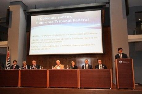 Crise econômica foi um dos assuntos debatidos no evento
