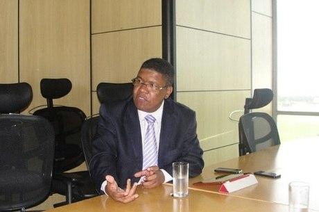 Ronaldo Barros defende a maior representatividade dos negros