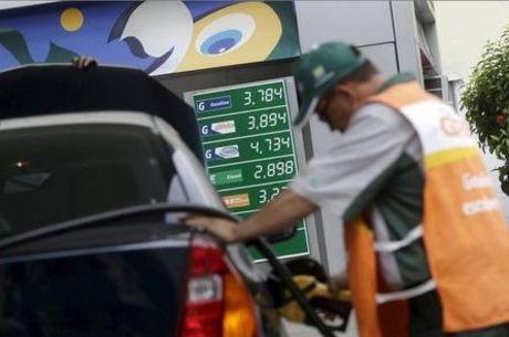 Gasolina subiu 0,16% e diesel ficou 0,56% mais caro