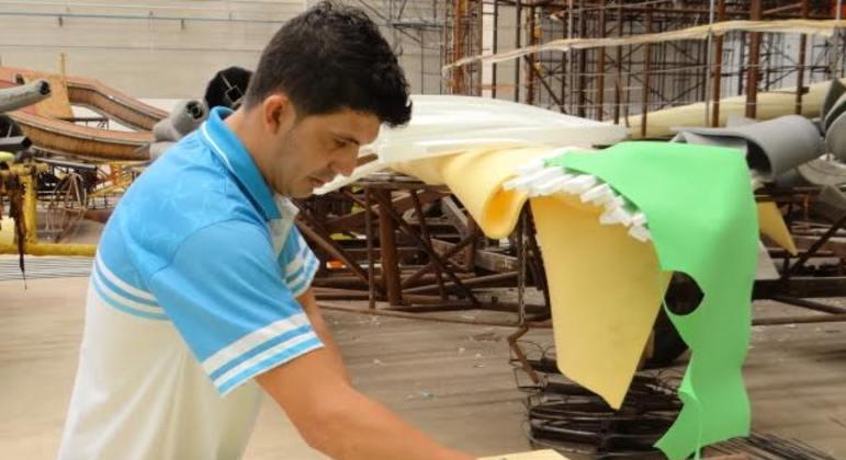 Mesmo em pandemia, escolas de samba de SP se preparam para um futuro carnaval