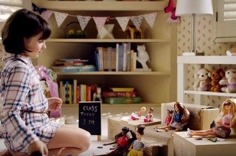 Barbie faz comercial feminista