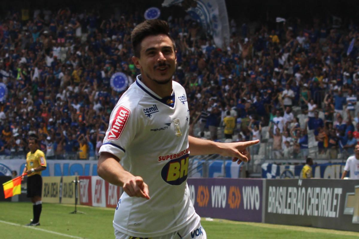 1a1e8332e58 Novo chapéu  Internautas reagem à contratação de Willian pelo Palmeiras -  Esportes - R7 Futebol
