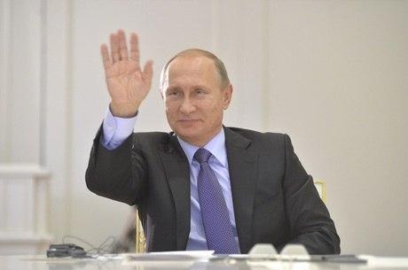Presidente russo disse que, depois de terem negado cooperação à Rússia na luta contra o extremismo na Síria, todos os países, incluindo os Estados Unidos, estão agora tomando consciência de que o terrorismo só pode ser combatido com o envolvimento de todos os países