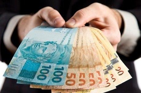 Primeira parte do 13º salário deve ser paga ainda em novembro