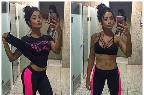 Aline Riscado mostra barriga chapada aos seguidores do Instagram