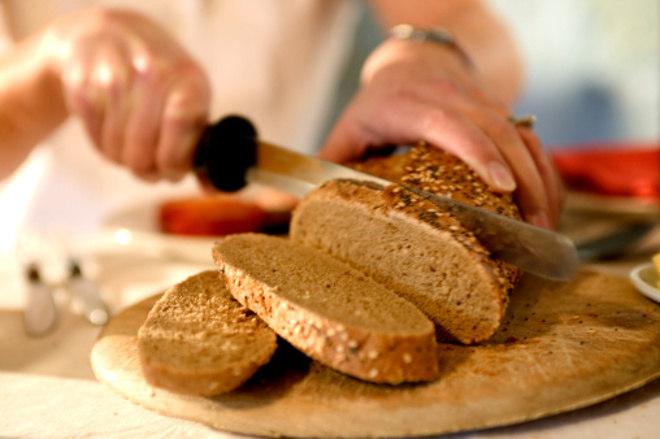 Além de apostar nos vegetais, os alimentos integrais são perfeitos para unir o controle do peso ao controle da diabetes. Eles são mais ricos em fibras e nutrientes que os feitos com farinha branca