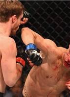UFC 189 - Thomas Almeida vence Brad Pickett<br>