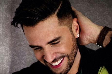 "Latino lança álbum novo: ""Soy latino"""