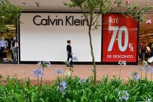 ... A Calvin Klein está presente nos dois shoppings, porém, a loja do Outlet  Premium ... 8fdb59fa295