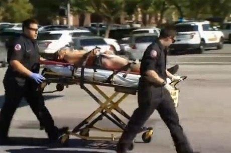 Feridos no tiroteio são levados a centro médico da região