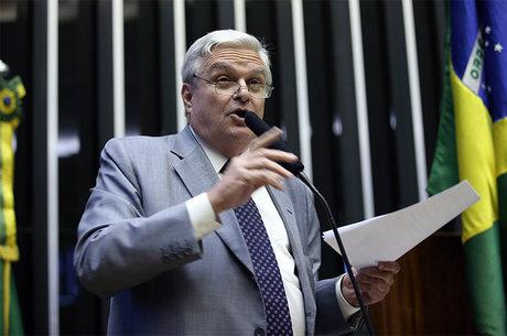 Deputado José Mentor morre em São Paulo