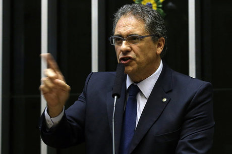 O deputado federal Carlos Zarattini (PT-SP)