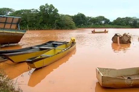 Lama tóxica contaminou toda a extensão do rio Doce