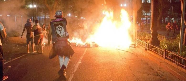 Manifestantes protestavam contra o projeto de reorganização escolar anunciado pelo governador Geraldo Alckmin