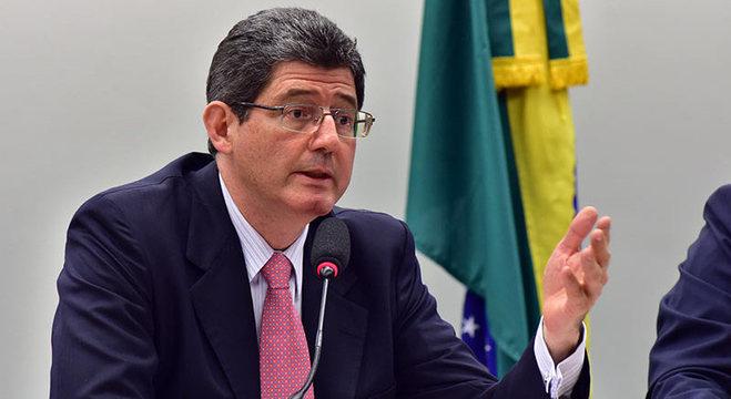 Economista renuncia à presidência do BNDES neste domingo (16)