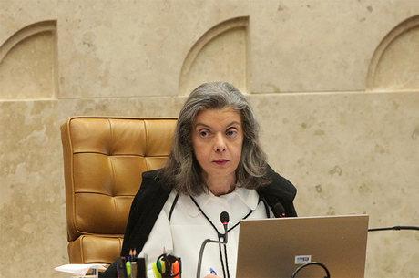 Cármen Lúcia defende votação aberta para escolha da comissão
