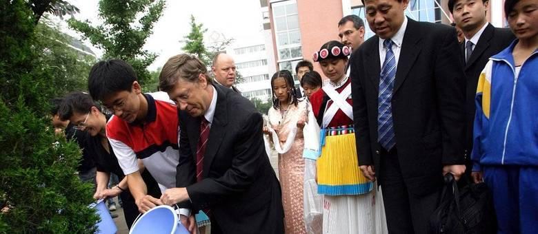 O americano Bill Gates poderia ser exemplo de filantropia para nossos milionários