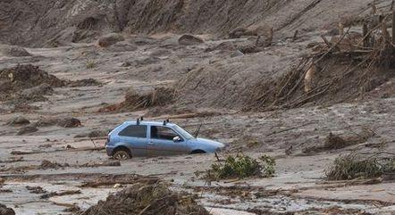 Barragem rompeu em Mariana (MG) em 2015
