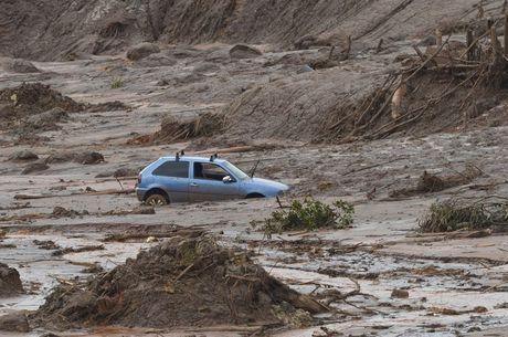 Rompimento da barragem de Fundão causou tragédia