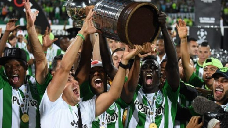 Títulos do Atlético Nacional na década: Libertadores (2016), Recopa Sul-Americana (2017), Apertura da Colômbia (2011, 2013, 2014 e 2017), Finalización da Colômbia (2013 e 2015) e Superliga da Colômbia (2012 e 2016)