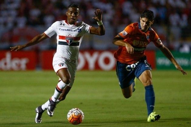 2016 - César Valejjo (BOL) 1 x 1 São Paulo - Empate na estreia fora de casa. Alejandro Honberg marcou para o Cesar, enquanto Calleri empatou.