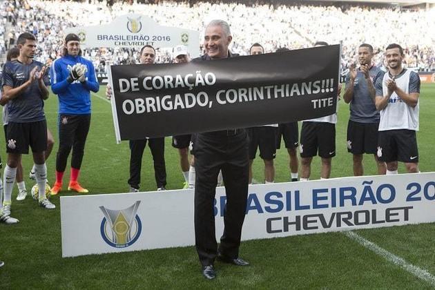 2016 - Como se não bastasse perder parte do elenco, alguns meses depois quem encerrou sua passagem pelo Corinthians foi o técnico Tite, que recebeu o convite para treinar a Seleção Brasileira (onde está até hoje) e se despediu do clube, que terminou a temporada de forma melancólica.