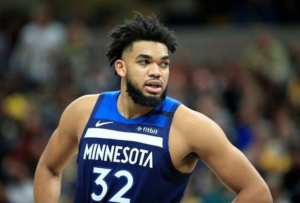 2016 - Karl-Anthony Towns (pivô, Minnesota Timberwolves): primeira escolha do Draft de 2015, Towns teve médias de 18,3 pontos e 10,5 rebotes em seu ano de estreia. Considerado um dos melhores pivôs da atualidade, o dominicano já foi selecionado duas vezes para o Jogo das Estrelas (2018 e 2019) e, aos 24 anos, ainda tem margem de evolução na NBA.
