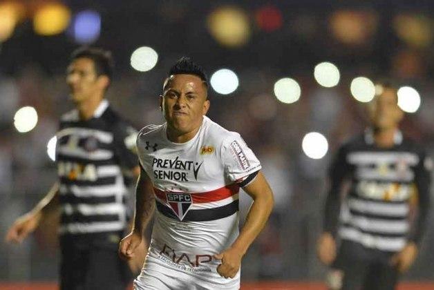 2016 - São Paulo 4 x 0 Corinthians - Pelo Brasileirão, Cueva, Luiz Araújo, David Neres e Chávez garantiram a goleada tricolor sobre o rival.