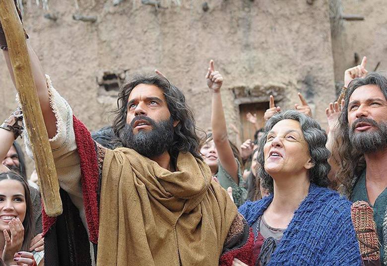 Filme de Os Dez Mandamentos bate marca histórica de 400 mil ingressos em apenas seis dias