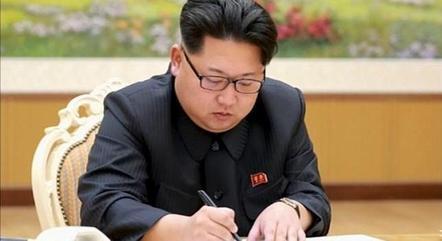 Kim saúda norte-coreanos em carta