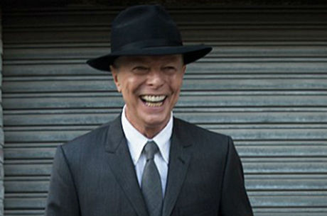 David Bowie morreu de câncer no fígado