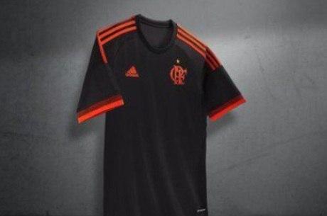 9757b96b765f7 Lançamento de nova camisa do Flamengo gera polêmica - Esportes - R7 ...
