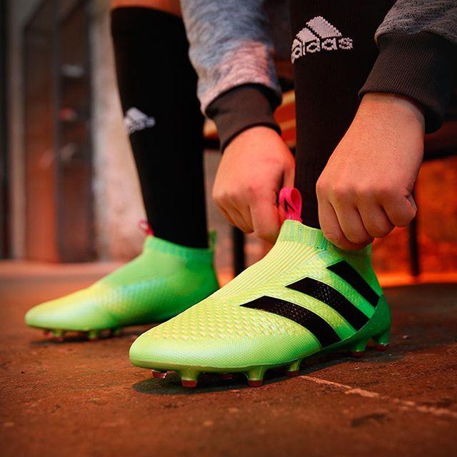 55d494a49f497 Adidas inova e lança chuteira sem cadarço - Fotos - R7 Futebol