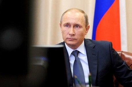 Documentos revelaram que uma rede de acordos e empréstimos offshore secretos no valor de 2 bilhões de dólares apontou para amigos íntimos do presidente da Rússia, Vladimir Putin