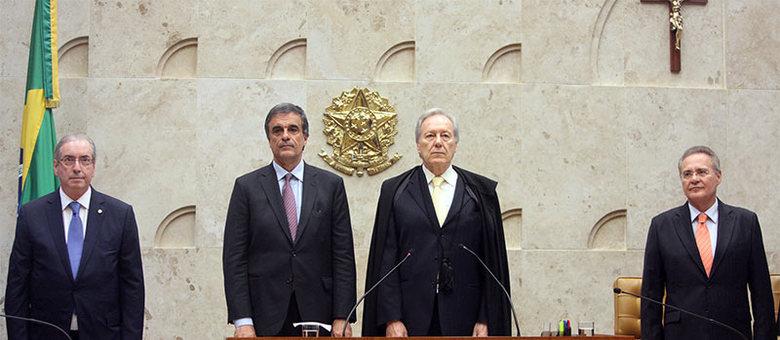 Eduardo Cunha (esq.) passou por constrangimento na abertura do ano judiciário nesta segunda-feira (1º) no Supremo